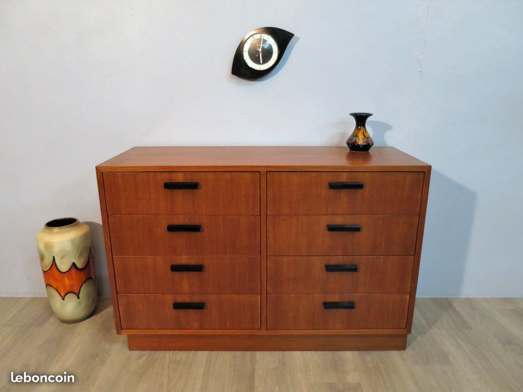 commode buffet en teck des ann e 70 atelier 1954. Black Bedroom Furniture Sets. Home Design Ideas