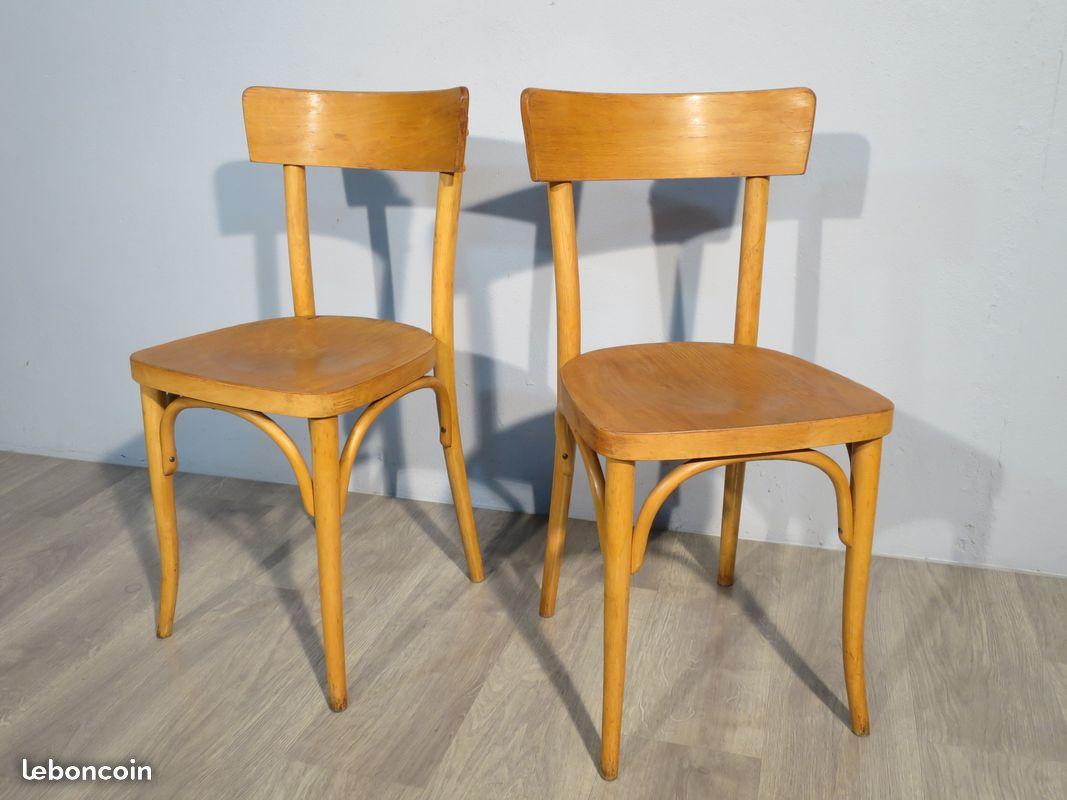 paire de chaises bistrot vintage thonet livr es atelier 1954. Black Bedroom Furniture Sets. Home Design Ideas